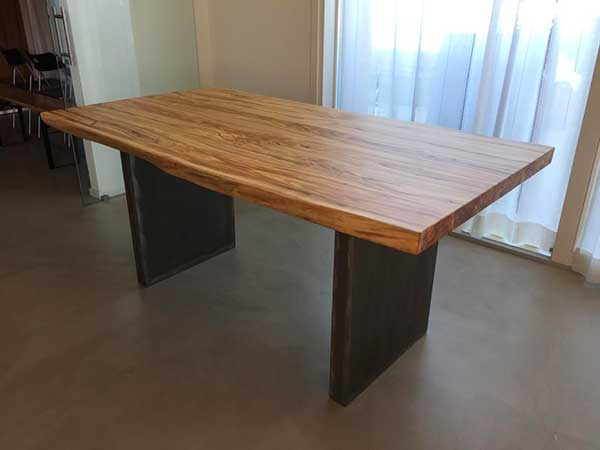 Vendita-di-colori-per-sedie-in-legno
